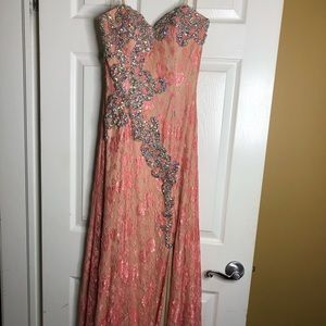 Dresses & Skirts - Strapless Rose Embellished Lace Dress with train